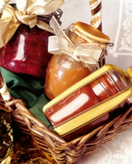 Homemade christmas gift idea homemade gift basket ideas homemade gift basket ideas homemade christmas gifts negle Image collections